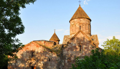 On the Roads of Armenia: Makaravank, Artsakh