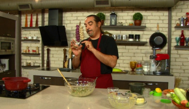 Let's Cook Together: Pumpkin Seed Sauce with Green Bean